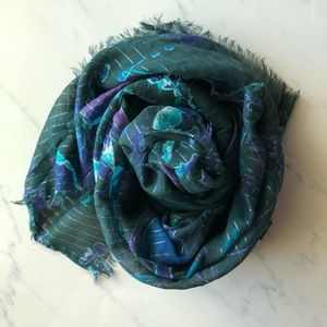 Striped light scarf